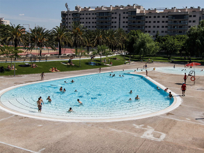 Picina de barbera viajes lovities for Piscinas sabadell