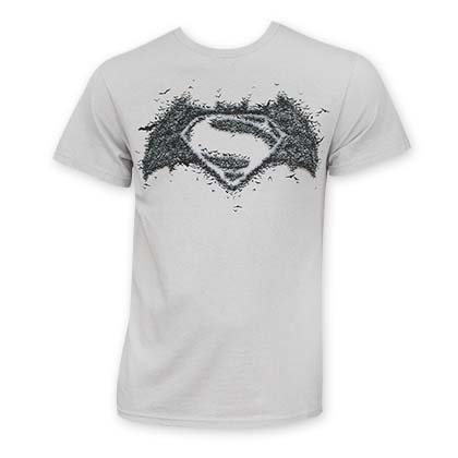 Camiseta Batman V Superman Logo On Logo