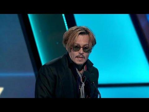 Johnny Depp sorprende a todo Hollywood en una ceremonia de premios